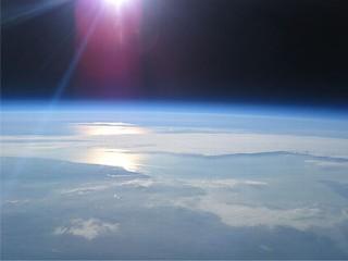 earth balloon 1 resized 600