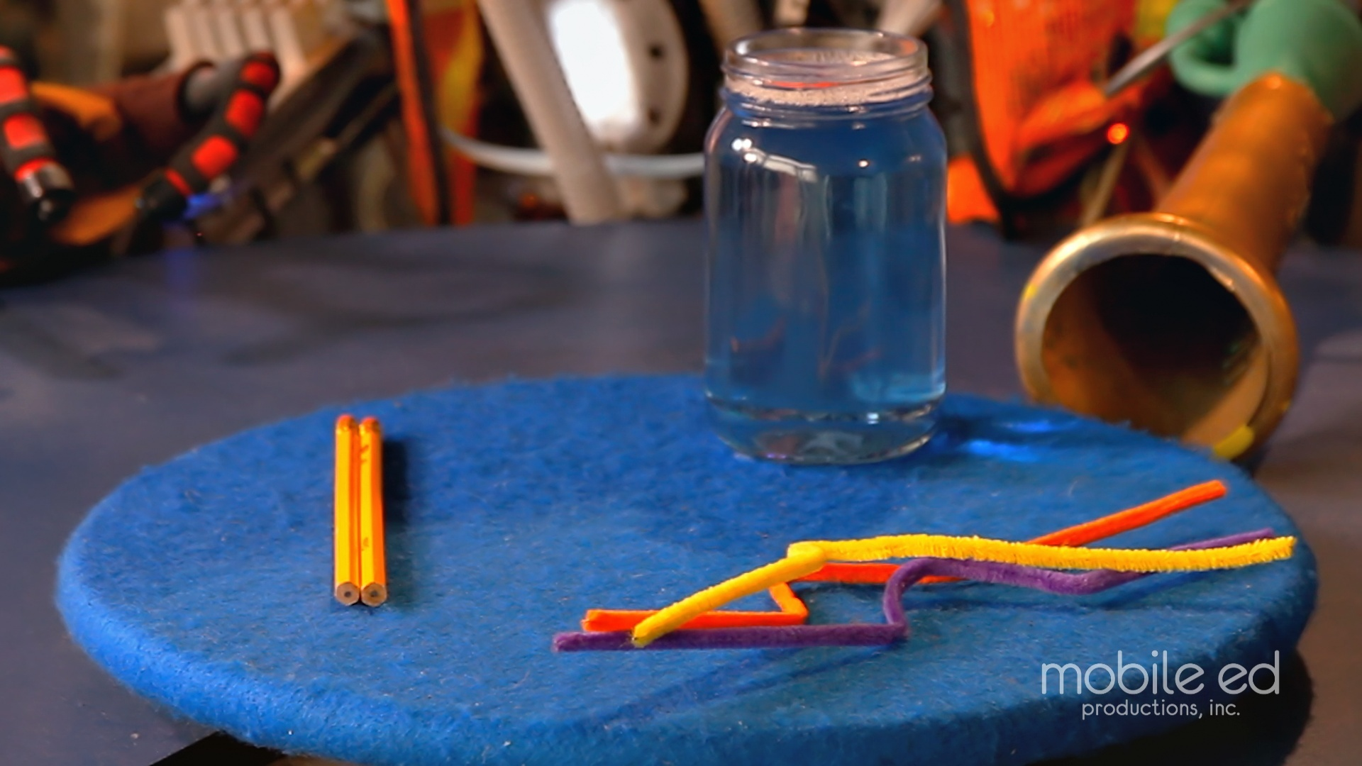 Make Your Own Bubble Wand | Handy Dan the Junkyard Man | Supplies