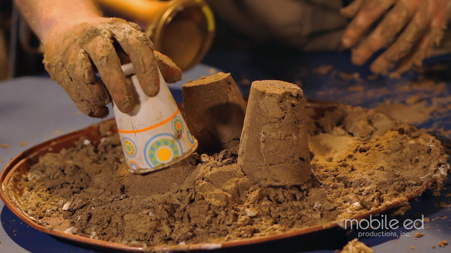 Make Sand Castles! | Handy Dan the Junkyard Man | Mobile Ed Productions