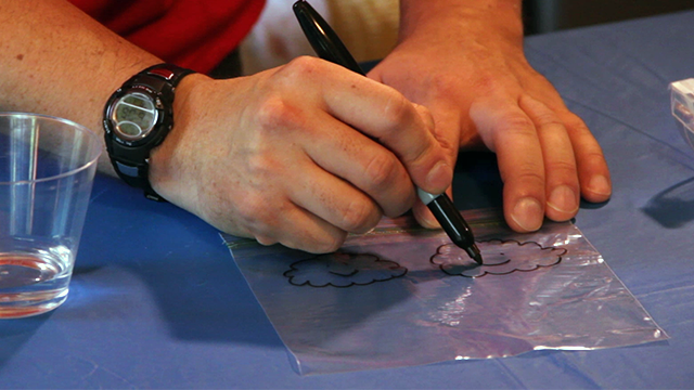 Decorate your Plastic Bag with a Permenant Marker